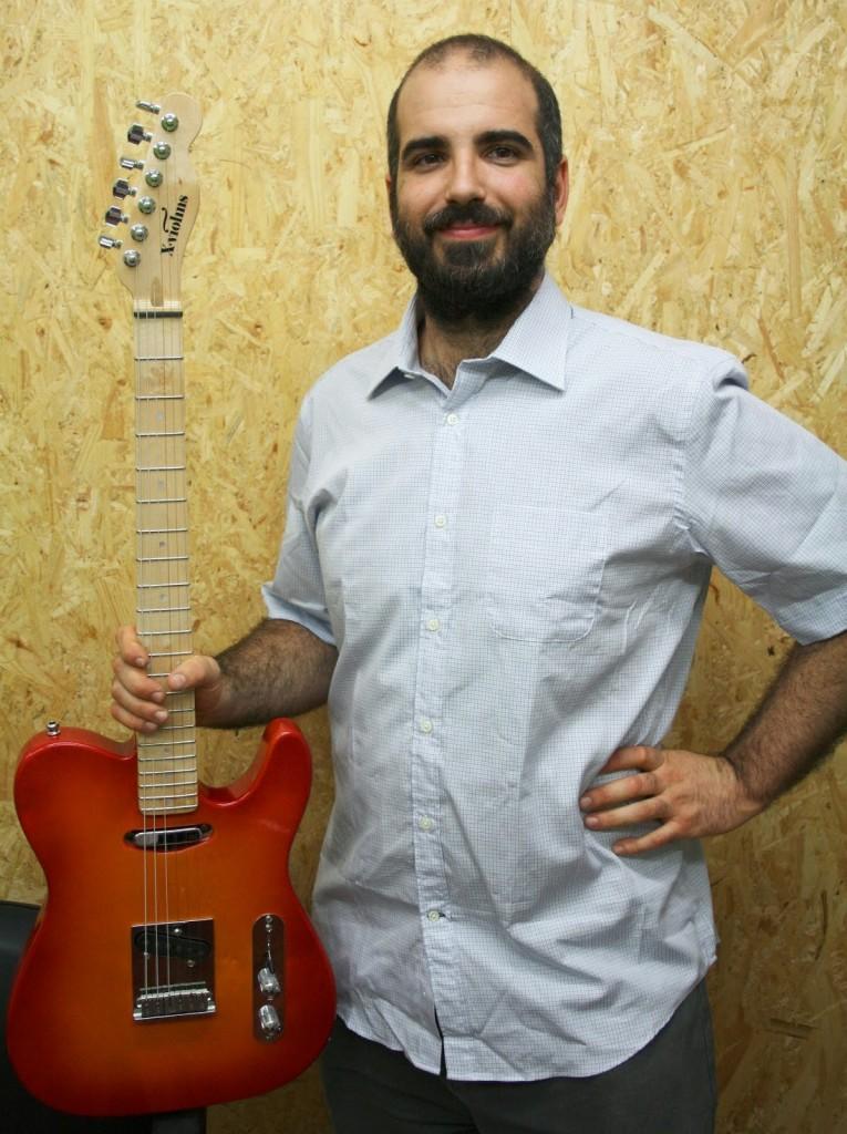 Maiol Xercavins, Luthier Xviolins